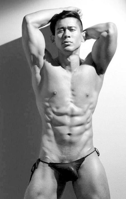 hot male 413 (18+)