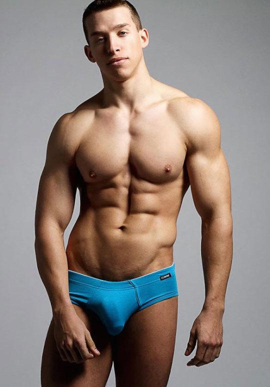 hot male 446 (18+)