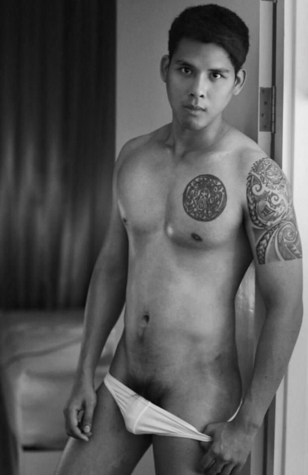 hot male 485 (18+)
