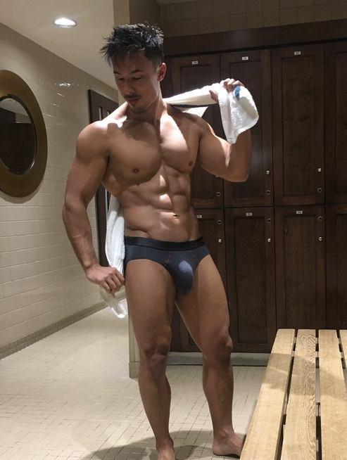 hot male 499 (18+)