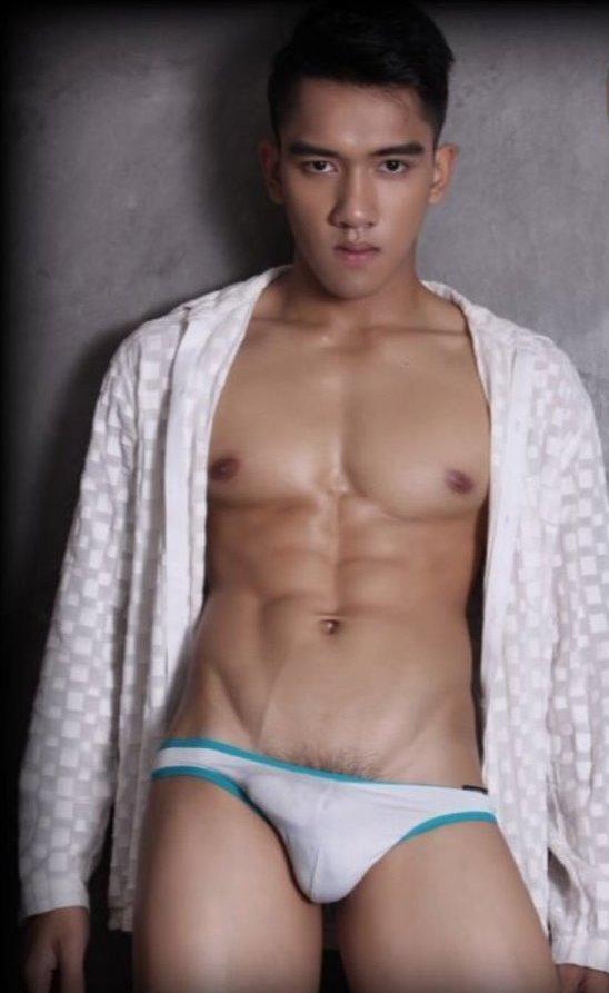 hot male 506 (18+)