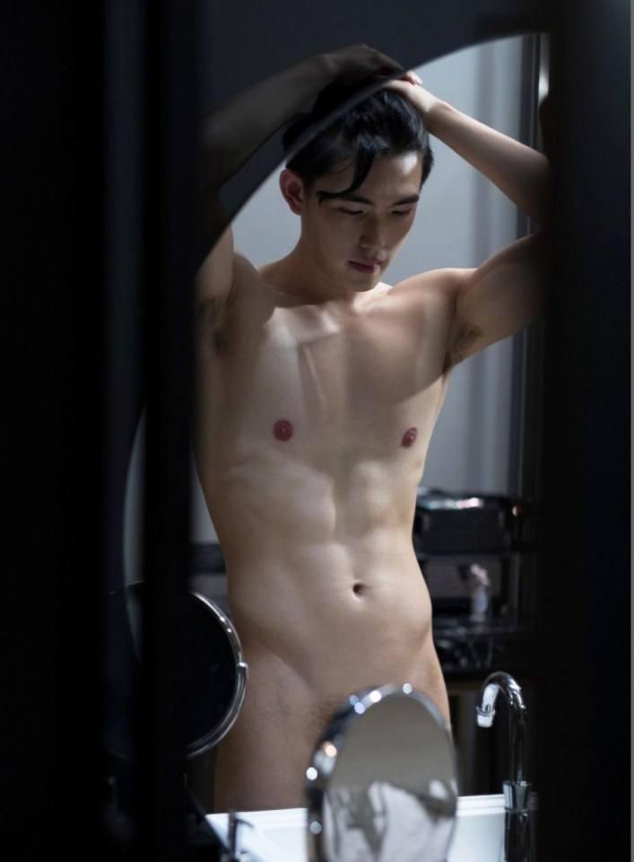 hot male 551 (18+)