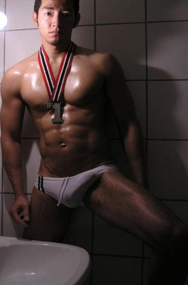 hot male 557 (18+)