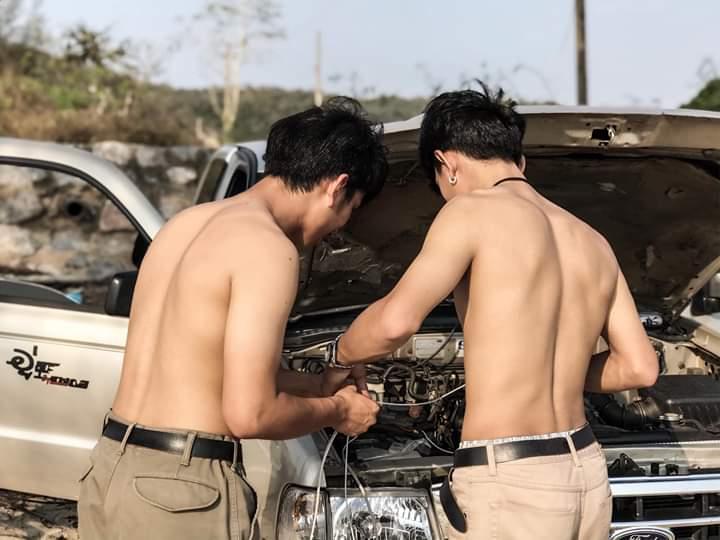 ดีต่อใจ#515หนุ่มหล่อ..ล้างรถ