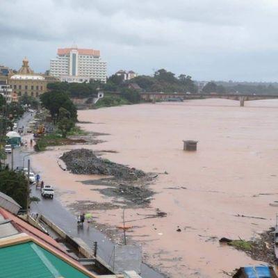 น้ำท่วมเมืองปากเซ ประเทศลาว.