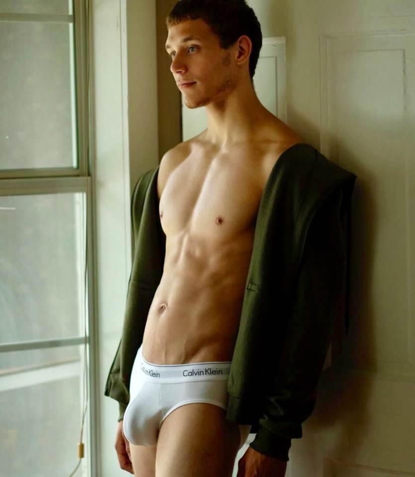 Sexy nudity gay guys 80