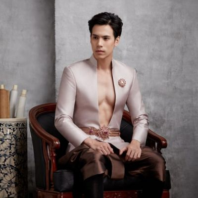 เจษ เจษฎ์พิพัฒ  ในชุดไทย #เขาหล่อ เขาหล่อมาก