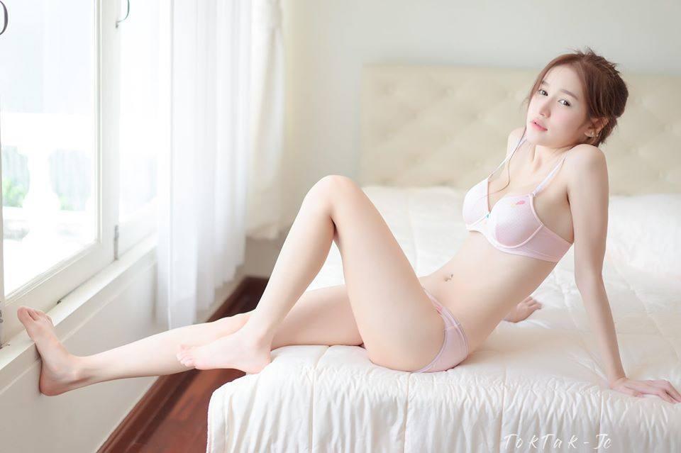 Patcharaporn Chaopitakwong Pink lady bra