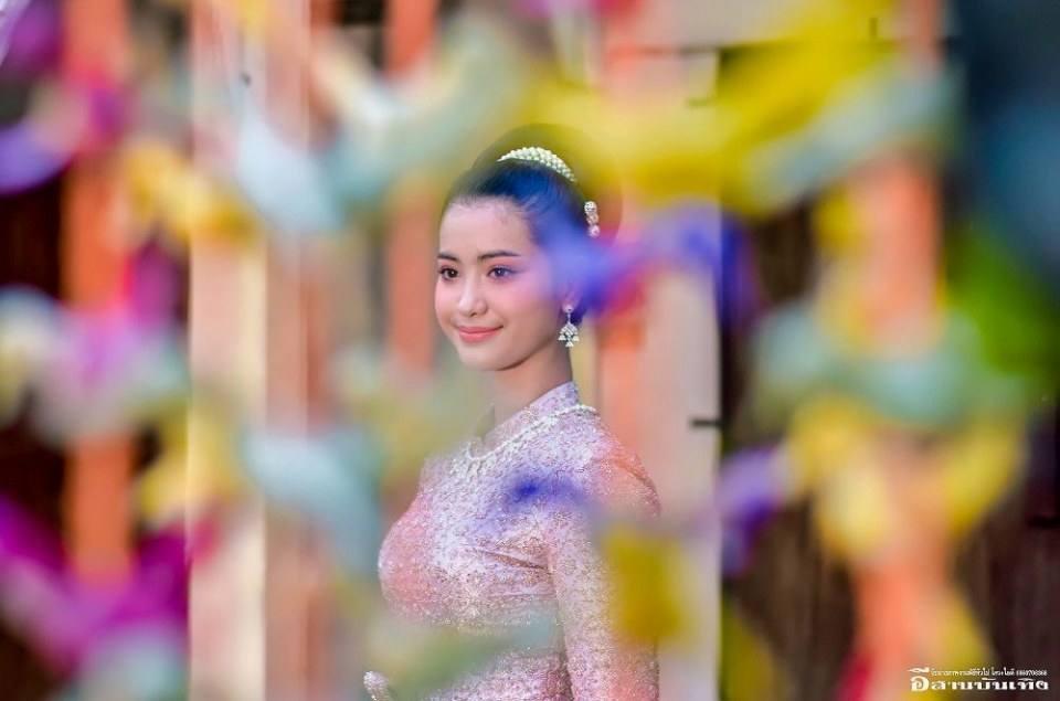 ชุดไทยบรมพิมาน Thai wedding dress, Thailand