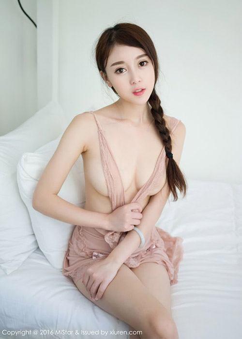 Zhao Xiaomi ขาวอวบอึ๋ม!!เจ้าแม่คอสเพลย์ สาวสวยจนต้องร้องขอชีวิต