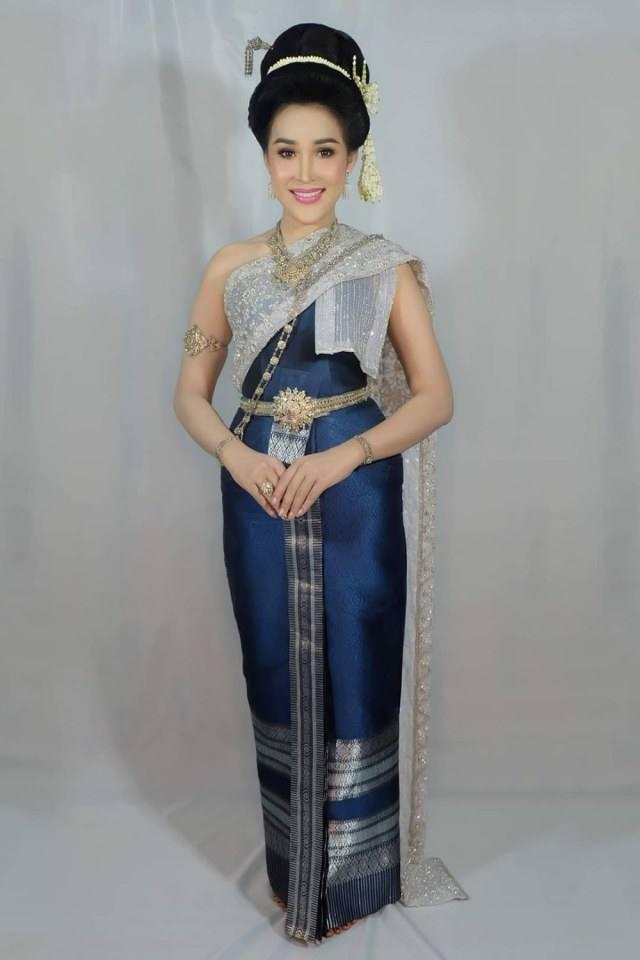 THAI DRESS | ชุดไทยจักรี, Thailand.