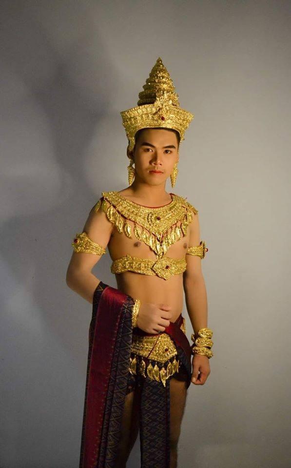 Thai Guy in Lavo kingdom costume | Thailand