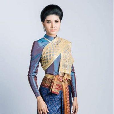 Thai Dress: ชุดไทย ผ้าลายอย่าง | Thailand