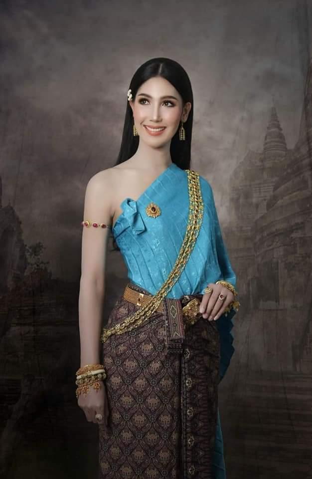 Thailand 🇹🇭 | Thai Traditional Dress