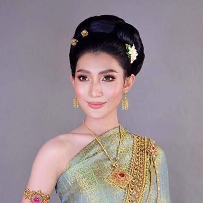 Thai Traditional Dress Portrait 🇹🇭 (๔)