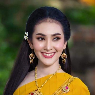 Thai Traditional Dress Portrait 🇹🇭 (๕)