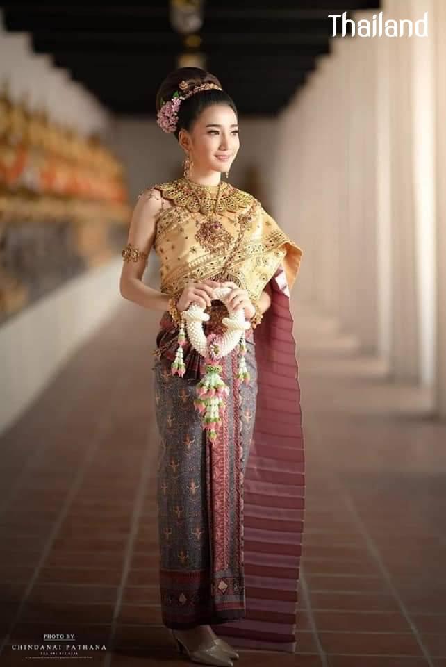 THAI DRESS, ชุดไทย   Thailand 🇹🇭