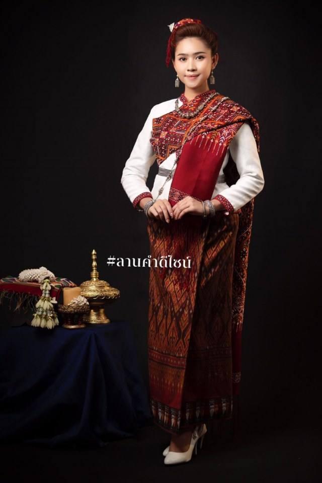 Thailand 🇹🇭 | ชุดแต่งงานอีสาน (งานกินดอง) ลานคำดีไซน์