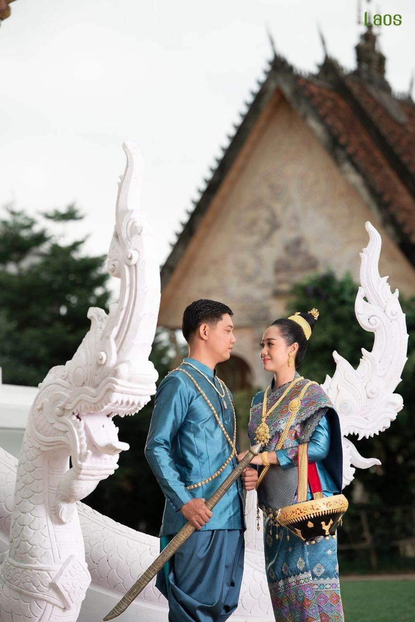"Laos 🇱🇦   ""ງານແຕ່ງ ລາວ"" Laos traditional wedding costume"