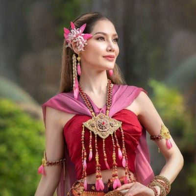 THAILAND 🇹🇭 | Thai traditional costume, ชุดไทย  นางประทุมวดี