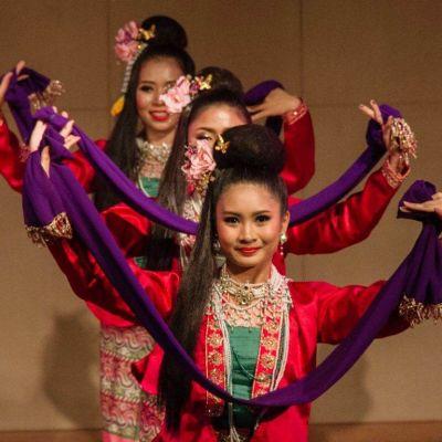 THAILAND 🇹🇭 |  Fon Man Mui Chiang Ta  ฟ้อนม่านมุ้ยเชียงตา