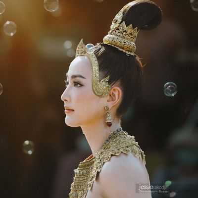 THAILAND 🇹🇭 | Thai Dance by Thai Actress  Taew - Natapohn Tameeruks