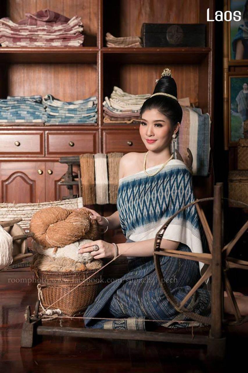 Laos 🇱🇦 | Laos traditional dress. ຊຸດລາວ - ການແຕ່ງກາຍຂອງແມ່ຍິງລາວ