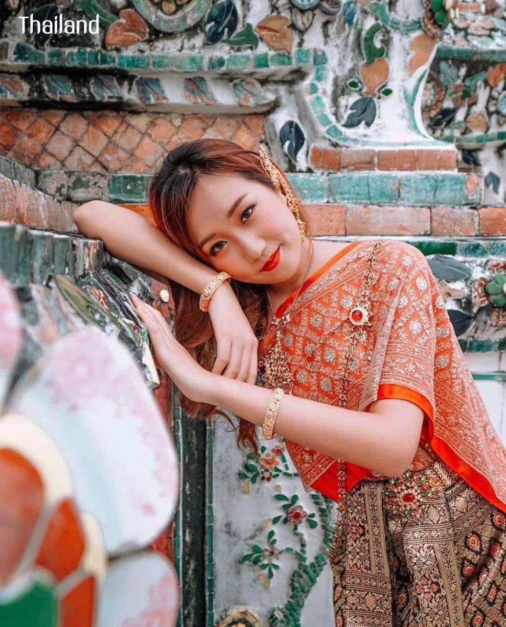THAILAND 🇹🇭 | The Sbai, Thai dress (ชุดไทย)