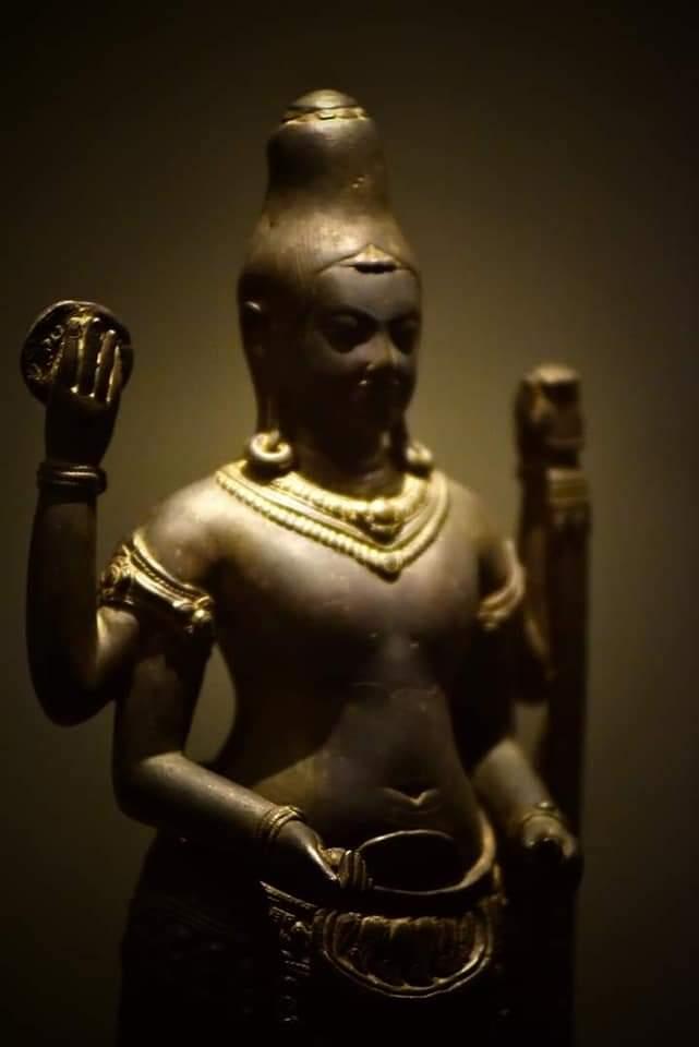 Vishnu   bronze sculpture  Lopburi style around 12th century   Exhibition on National museum Bangkok Thailand   ©Doc Frankfurt