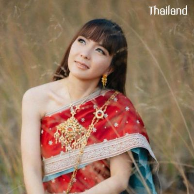 THAILAND 🇹🇭 | Cutie girl and the  Sbai  Thai dress