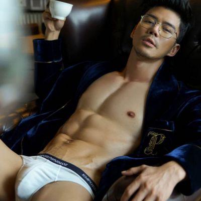 Hot men in underwear 535