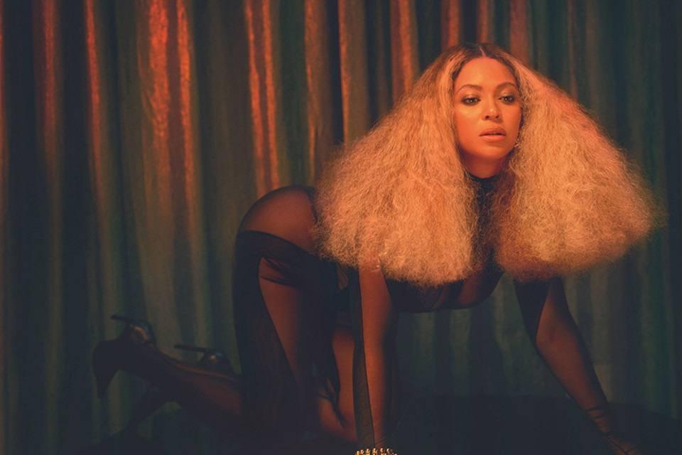 Beyoncé @ Vogue UK December 2020