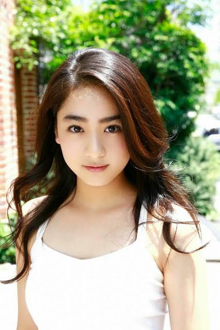 Yuna Taira สาวน้อยAV