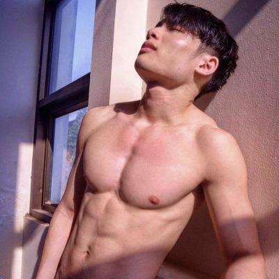 ผู้ชาย นมสวย {22)