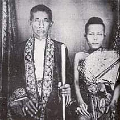 Queen Debsirindra of Siam: Sbai Thai dress: Thailand 🇹🇭