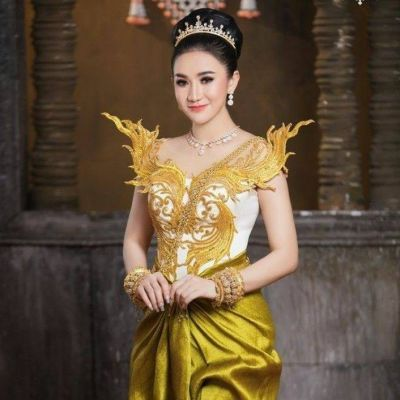 Sompot 🇰🇭 Cambodian national costume ชุดประจำชาติของกัมพูชา