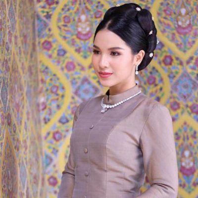 Thai Chitralada Dress: ชุดไทยจิตรลดา | THAILAND