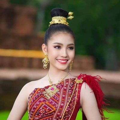 Prae-wa Kalasin  TheQueen of Thai silk | THAILAND 🇹🇭
