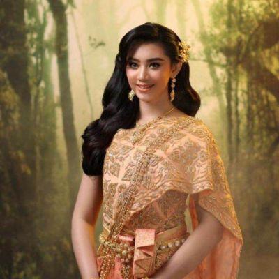 Cambodia wedding costume : ชุดไทยโดยนางแบบกัมพูชา: Khmer wedding dress ♥️♥️