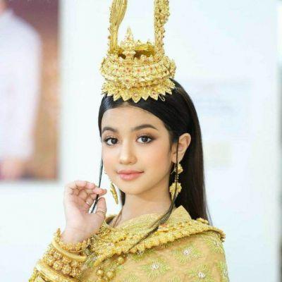 Cambodia wedding costume : ชุดแต่งงานโดยเจ้าสาวกัมพูชา: Khmer wedding dress ♥️♥️