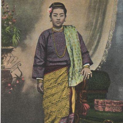 Luntaya Acheik:สีสันวัฒนธรรมพม่า:ผ้าลุนตยา..ผ้าทอร้อยกระสวย