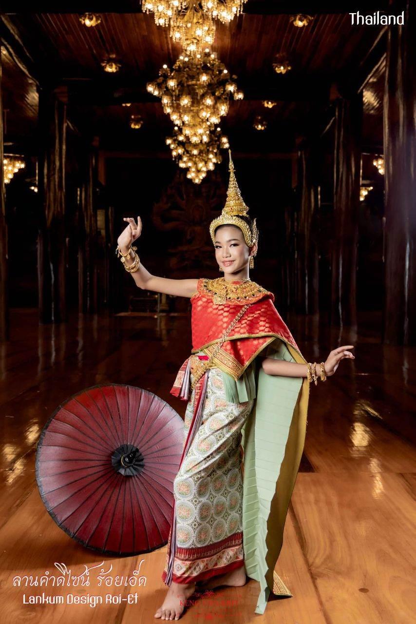 Thai royal dress in Ayutthaya kingdom | THAILAND 🇹🇭