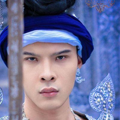 Fon Jerng Dab  Lanna sword dance | THAILAND 🇹🇭