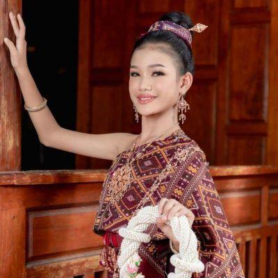 Phu Tai costume in Kalasin province with Praewa, Queen of Thai Silks   THAILAND 🇹🇭