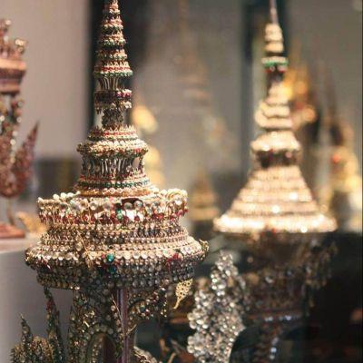 Rat Klao Yod (Thai: รัดเกล้ายอด)