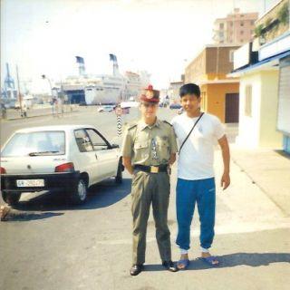 ถ่ายรูปร่วมกับทหารอิตาลีที่เมืองชิวิวาเดเกีย