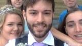 ชายคนนี้ เขาถ่ายรูปตัวเอง ตั้งแต่อายุ 12 ปี จน เขาแต่งงาน น่าทึ่งมาก!