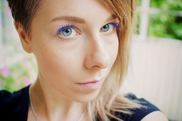 ข้อพลาดในการแต่งหน้า มาสคาร่าสีน้ำเงิน